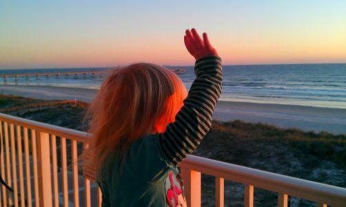 Kinsley-waving-goodbye-to-florida